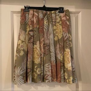 Joe Fresh Pleated Floral Skirt Sz 4